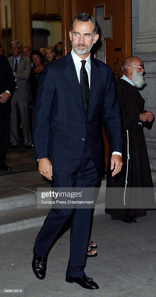 King Felipe of Spain attends the funeral chapel for Duke of Medinaceli, Marco De Hohenlohe-langenburg y Medina, at Jesus de Medinaceli basilica on September 6, 2016 in Madrid, Spain.