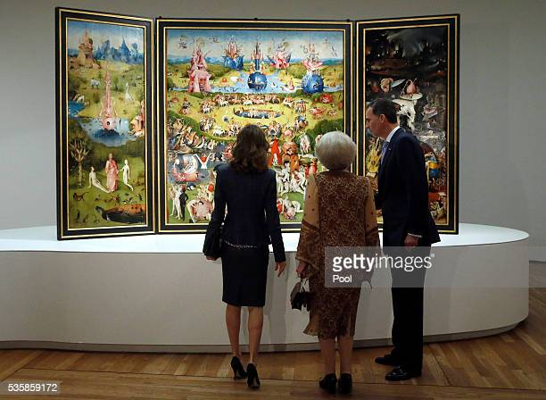 King Felipe of Spain Queen Letizia of Spain and Beatrix of the Netherlands view The Garden of Earthly Delights by Hieronymus Boschduring a visit to...