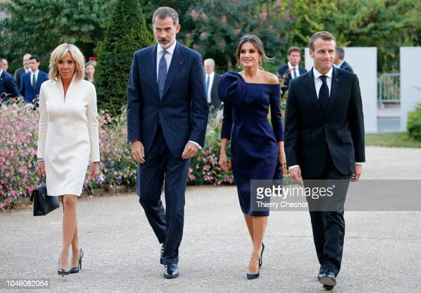 King Felipe of Spain Queen Letizia of Spain French President Emmanuel Macron and his wife Brigitte Macron arrive at the Grand Palais to visit the...