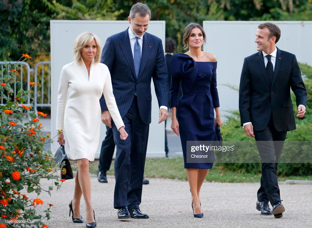 King Felipe Of Spain And Queen Letizia of Spain Attend The 'Miro, La Couleur Des Reves' Exhibition At Grand Palais in Paris : Photo d'actualité