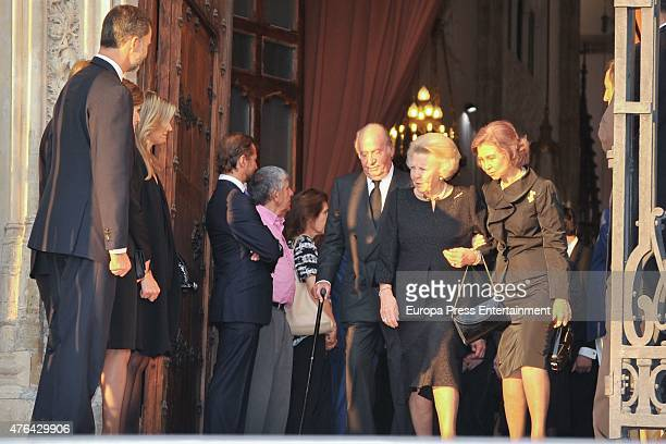 King Felipe of Spain Queen Maxima of the Netherlands King Juan Carlos Queen Sofia and Princess Beatrix of the Netherlands attend the memorial service...