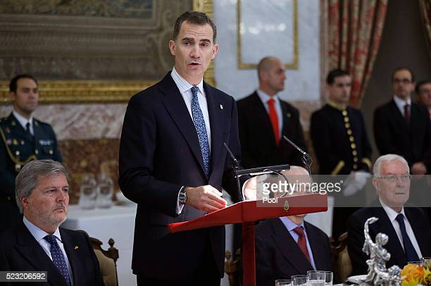King Felipe of Spain speaks during lunch offered to Mexican writer Fernando del Paso following the Cervantes Prize award at Zarzuela Palace on April...