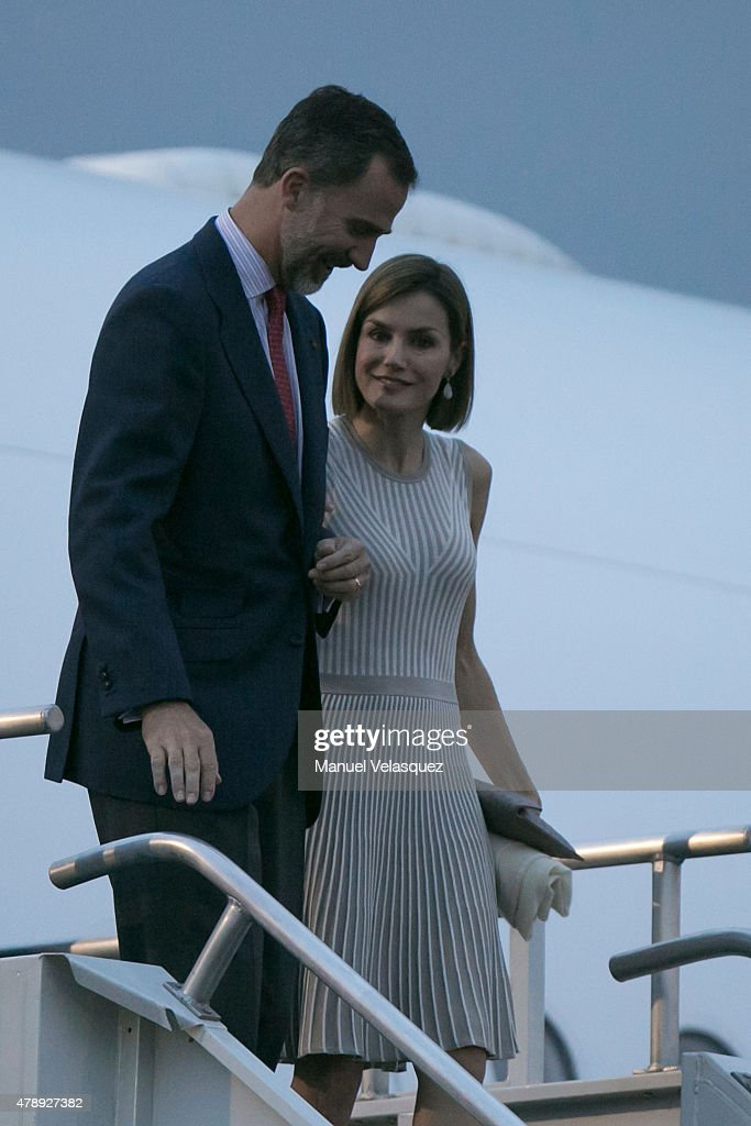 King Felipe VI and Queen Letizia of Spain Arrive to Mexico : News Photo