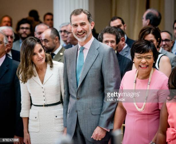 King Felipe VI and Queen Letizia of Spain listen to traditional New Orleans brass music with New Orleans mayor LaToya Cantrell as part of the city's...
