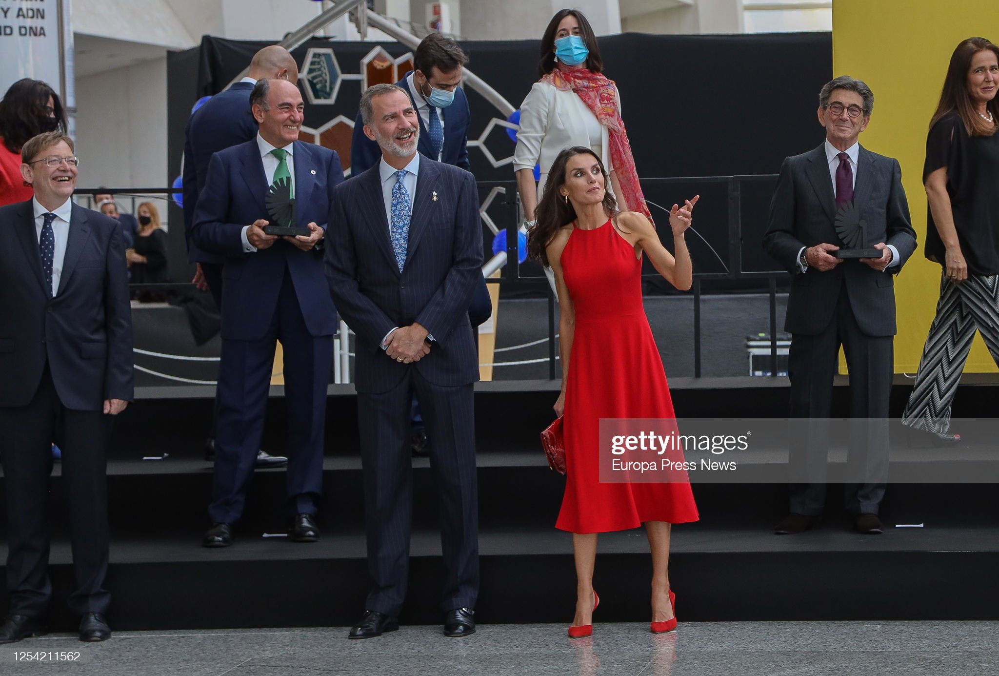 https://media.gettyimages.com/photos/king-felipe-vi-and-queen-letizia-of-spain-preside-over-the-ceremony-picture-id1254211562?s=2048x2048