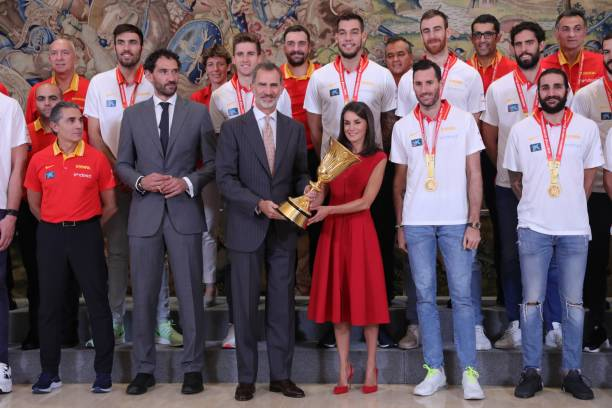 ESP: Spanish Royals Receive Spain Basketball National Selection