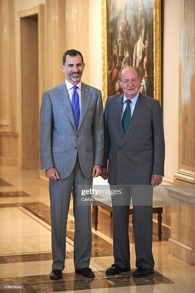 King Felipe VI of Spain and King Juan Carlos Attend a Meeting with COTEC Foundation : News Photo