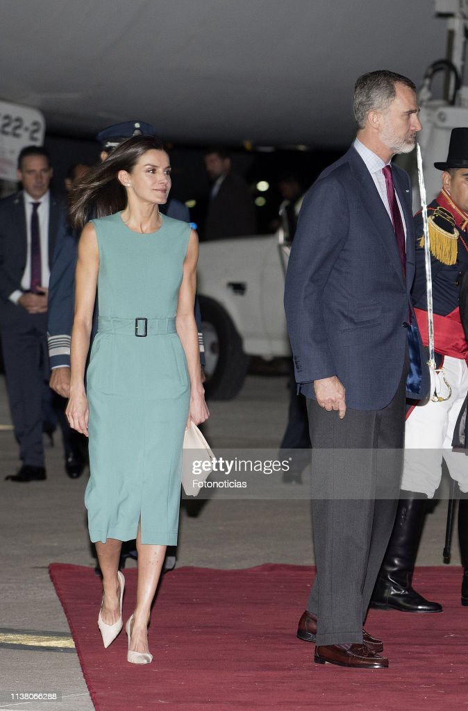 Arrival of King Felipe II and Queen Letizia  to Buenos Aires : News Photo