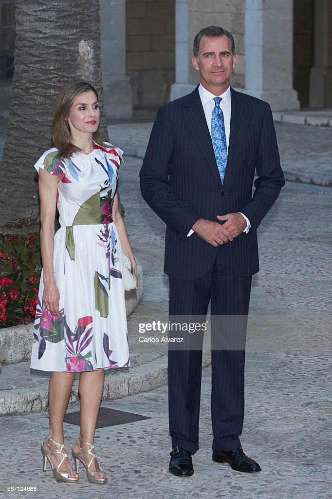 King Felipe VI of Spain and Queen Letizia of Spain attend a official reception at the Almudaina Palace on August 7, 2016 in Palma de Mallorca, Spain.