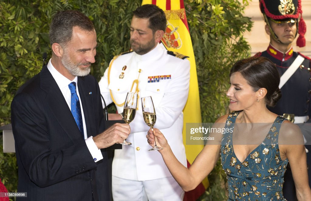 King Felipe II and Queen Letizia Visit Buenos Aires - Day 1 : News Photo