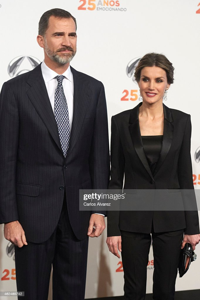 Queen Letizia of Spain Attends Antena 3 TV Channel 25th Anniversary Party : News Photo