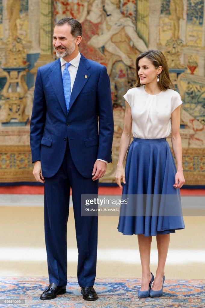 Spanish Royals Meet The Members of 'Princesa De Asturias' Foundation : News Photo