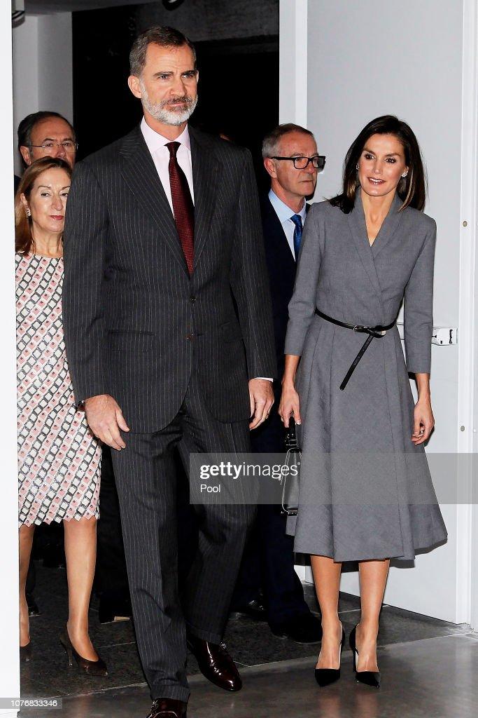 Spanish Royals Inaugurate An Exhibition To Commemorate The Anniversary Of The Democracy : Fotografía de noticias