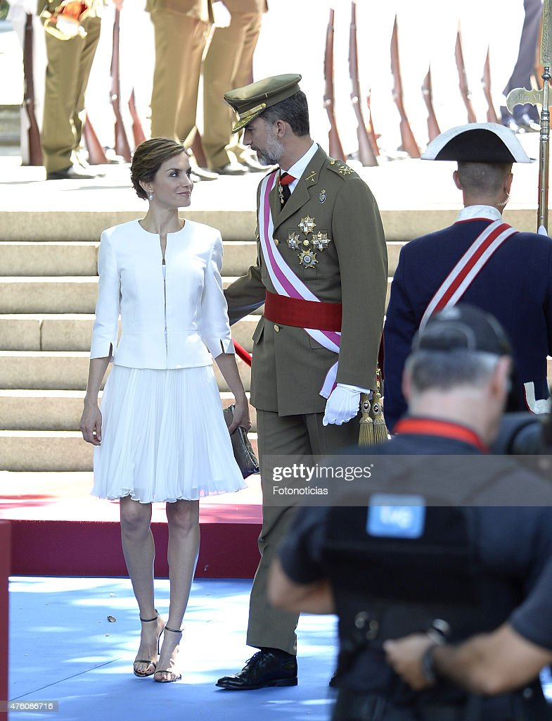 Spanish Royals Attend the 2015 Armed Forces Day : Foto jornalística
