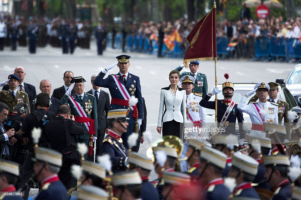 Spanish Royals Attend the Armed Forces Day Hommage : News Photo