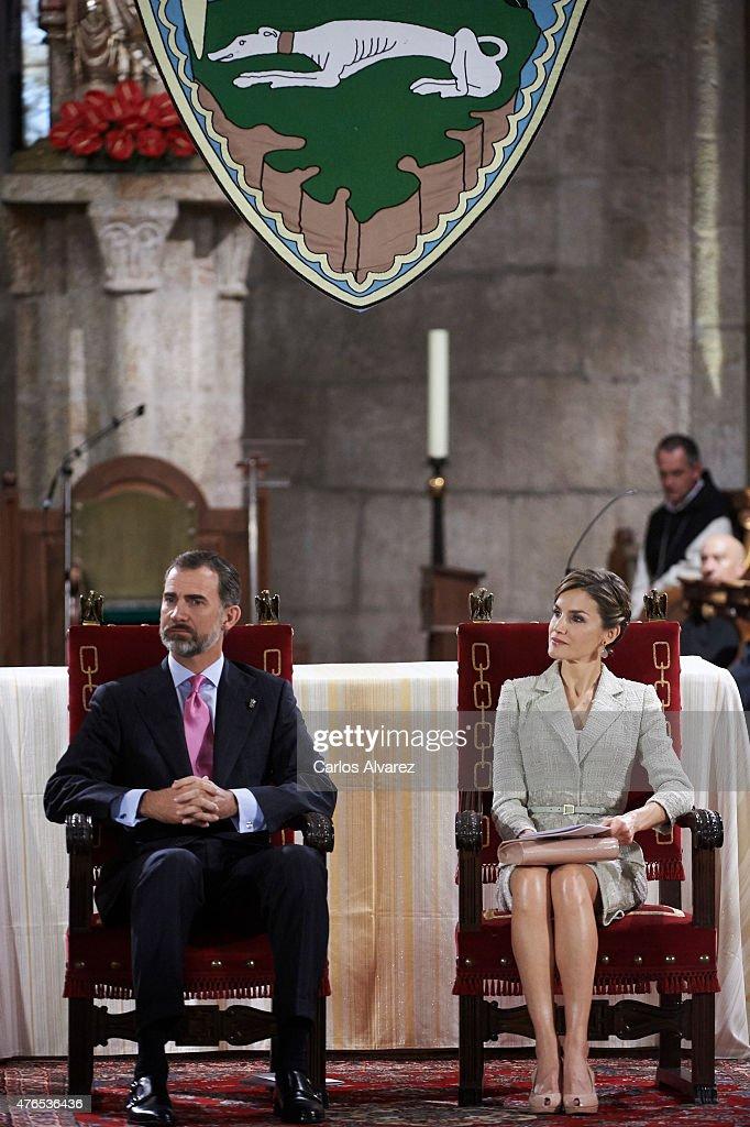 Spanish Royals Attend 'Principe de Viana' Awards 2015 in Navarra : News Photo