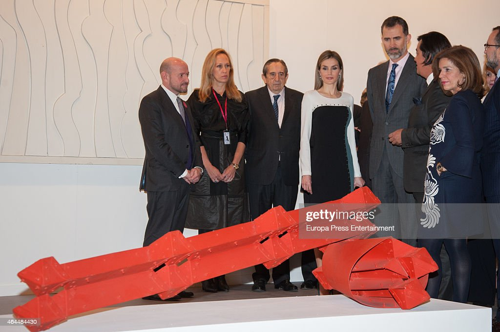 King Felipe VI of Spain (3R) and Queen Letizia of Spain (4R) attend the opening of the International Contemporary Art Fair ARCO 2015 at Ifema on February 26, 2015 in Madrid, Spain.