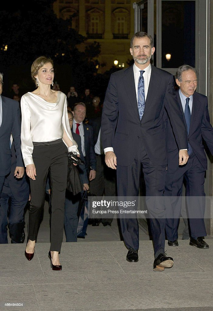 Spanish Royals Attend Attend the Opera 'El Publico' : News Photo