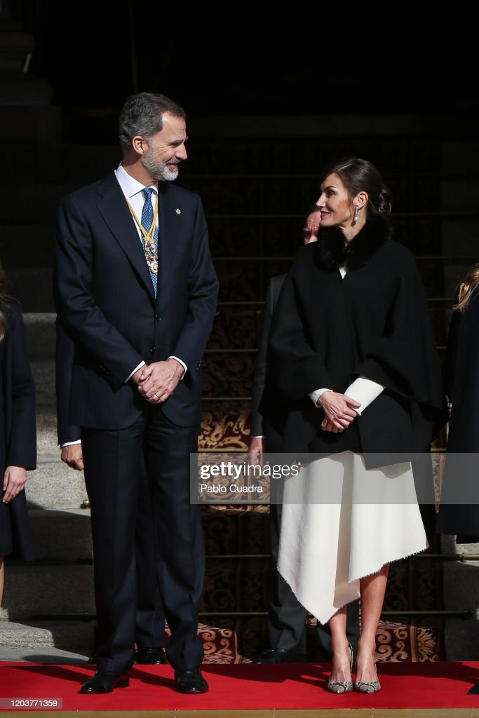 Spanish Royals Attend the 14th Legislative Sessions Opening : Foto di attualità
