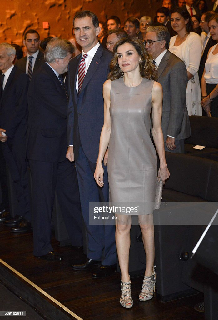Spanish Royals Deliver 'La Caixa' Scholarships : News Photo