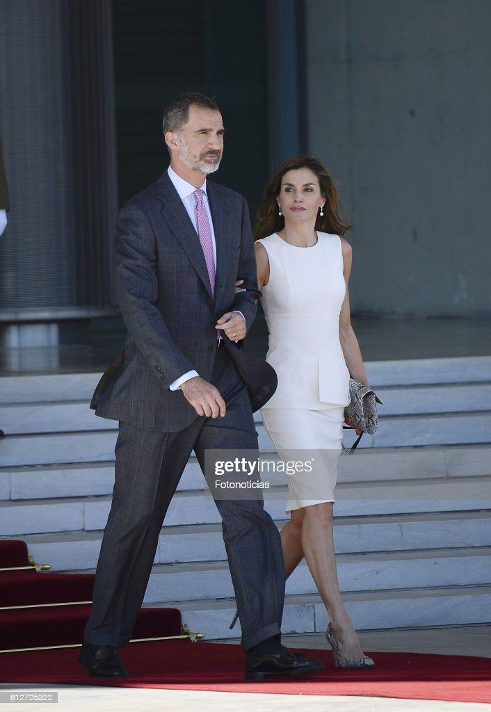 Spanish Royals Depart to United Kingdom : News Photo