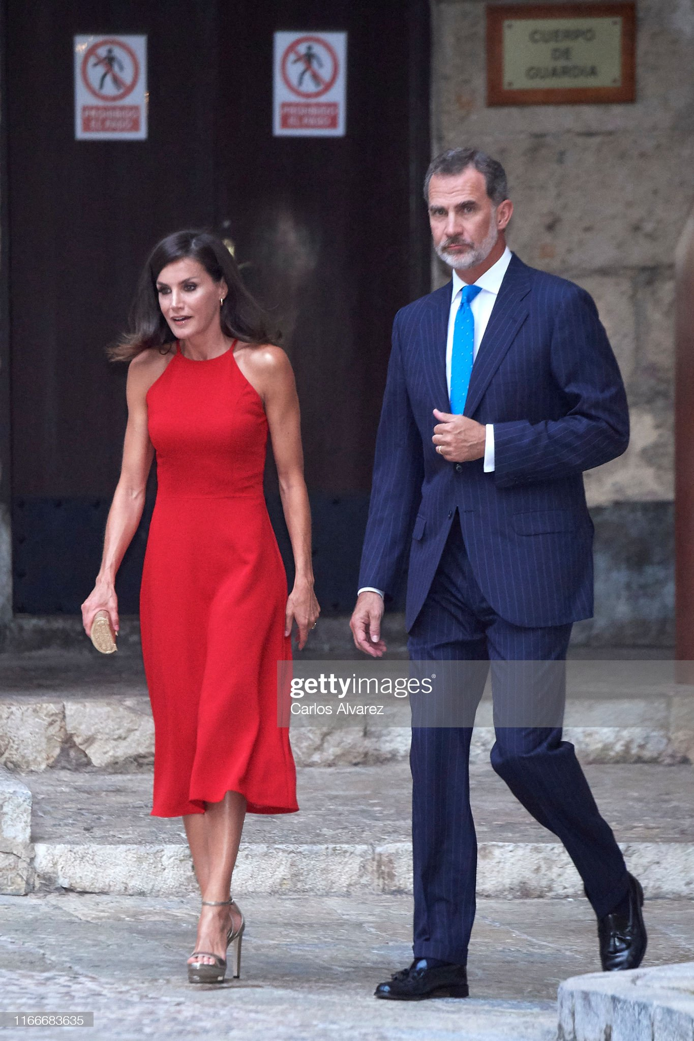 https://media.gettyimages.com/photos/king-felipe-vi-of-spain-and-queen-letizia-of-spain-host-a-dinner-for-picture-id1166683635?s=2048x2048