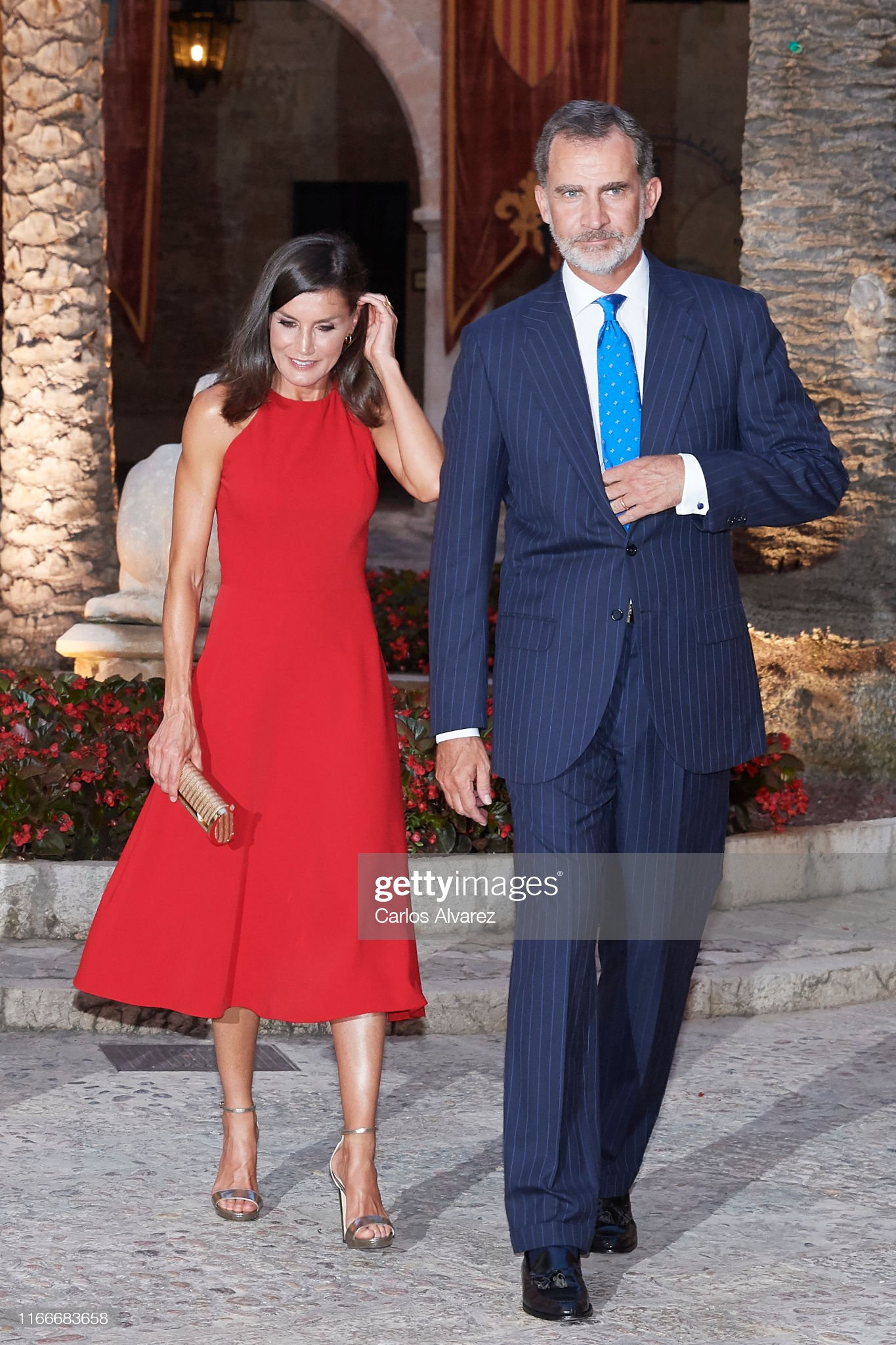 https://media.gettyimages.com/photos/king-felipe-vi-of-spain-and-queen-letizia-of-spain-host-a-dinner-for-picture-id1166683658?s=2048x2048