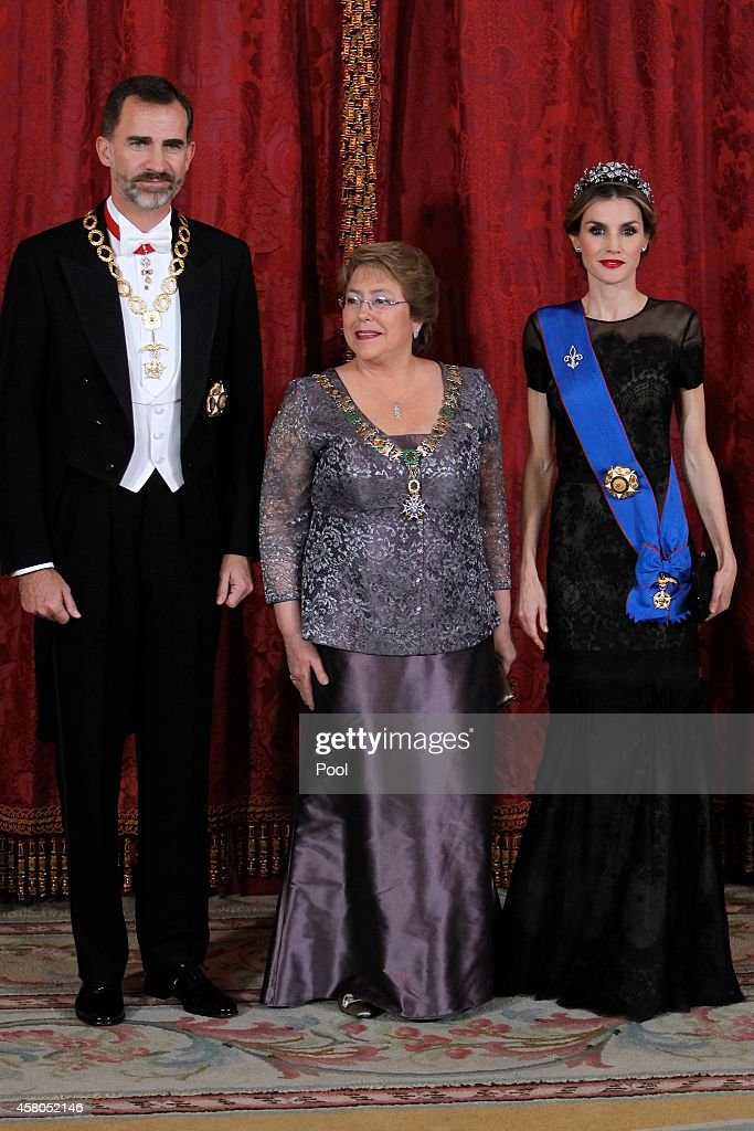 Spanish Royals and President Of Chile Attend a Gala Dinner : News Photo