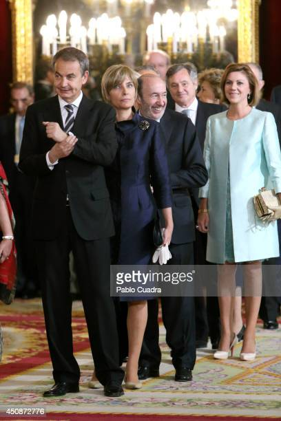 King Felipe VI of Spain and Queen Letizia of Spain receive Jose luis Rodriguez Zapatero and Wife Sonsoles Espinosa during reception at the Royal...