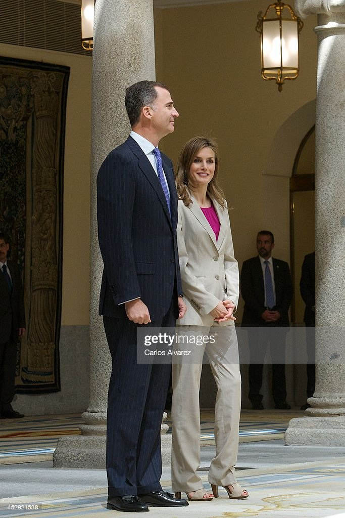 Spanish Royals Meet Security Forces and Emergency Services That Worked During The Coronation Of King Felipe VI : News Photo