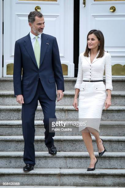 King Felipe VI of Spain and Queen Letizia of Spain receive President of Colombia Juan Manuel Santos Calderon and wife Maria Clemencia Rodriguez de...