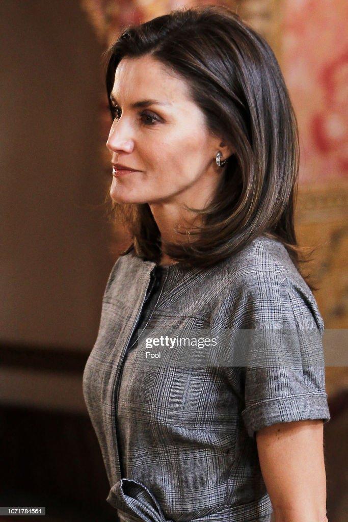 Spanish Royals Meet 'Princesa De Girona' Foundation At The Royal Palace : News Photo