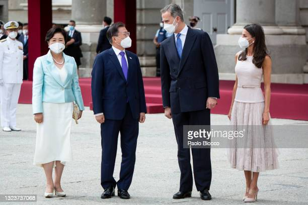 King Felipe VI of Spain and Queen Letizia of Spain receive South Korean President Moon Jae-in and Korean first lady Kim Jung-sook at the Royal Palace...
