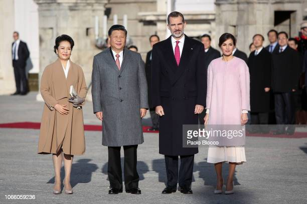 King Felipe VI of Spain and Queen Letizia of Spain receives Chinese president Xi Jinping and wife Peng Liyuan at the Royal Palace on November 28,...