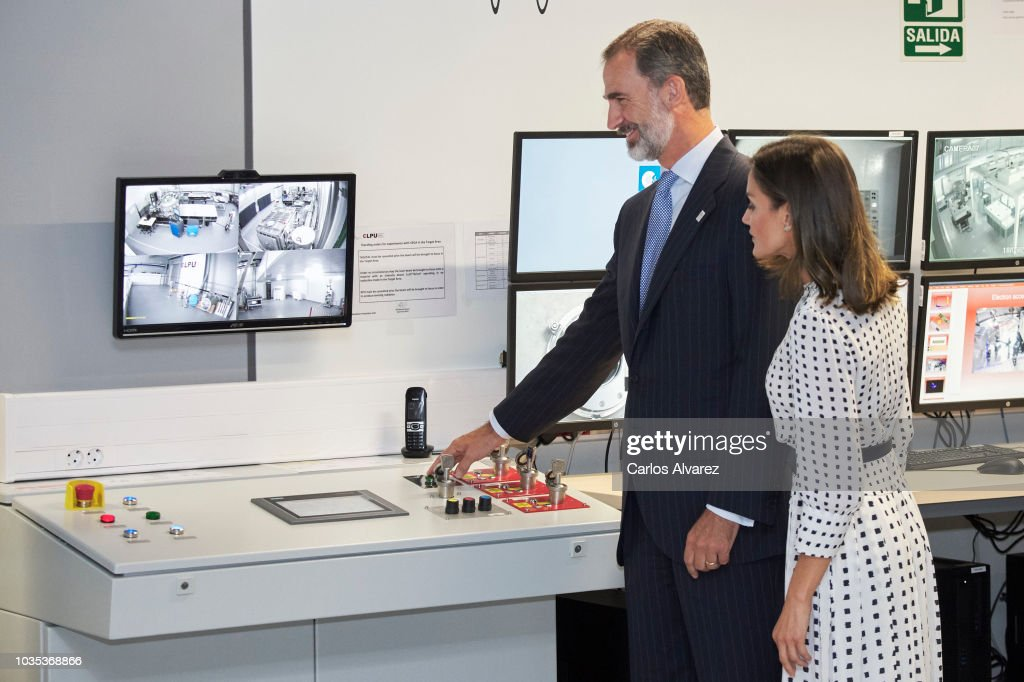 Spanish Royals Inaugurate Laser 'Vega-3'