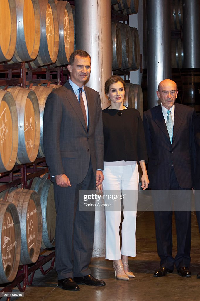 Spanish Royals Commemorate 4th Centenary Of the Death Of Miguel de Cervantes : News Photo