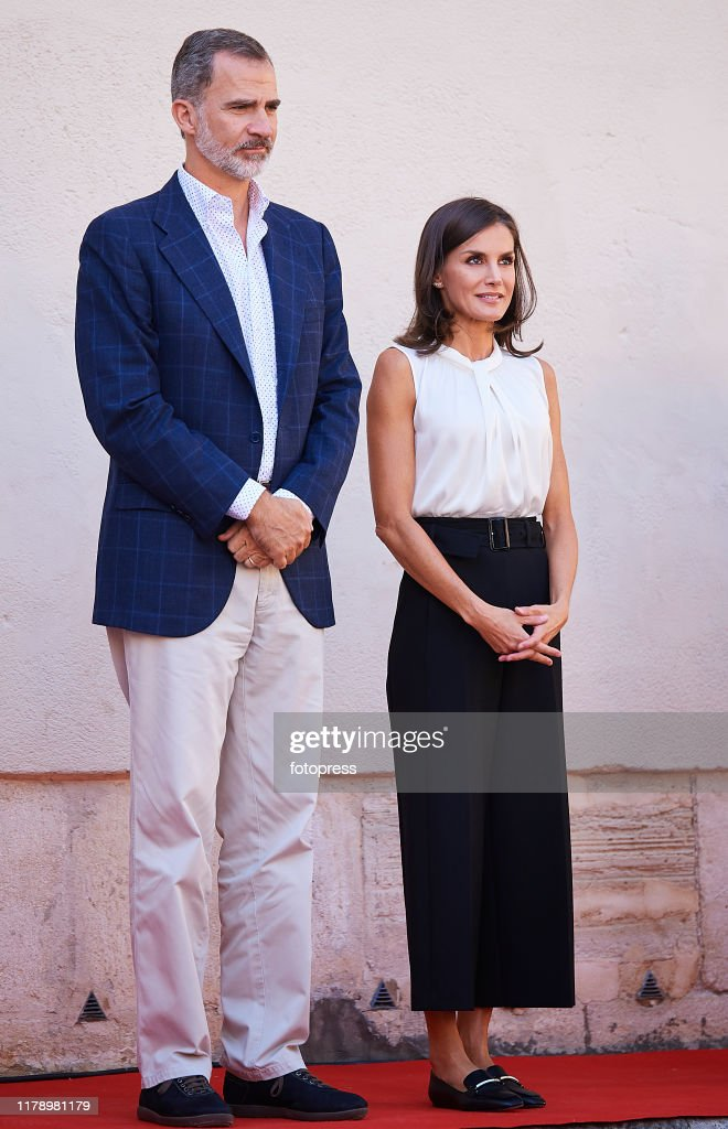 Spanish Royals Visit Orihuela And Los Alcazares After The Floods : News Photo