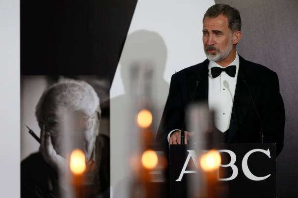 ESP: Spanish Royals Attend Dinner Honouring Journalism Awards Winners