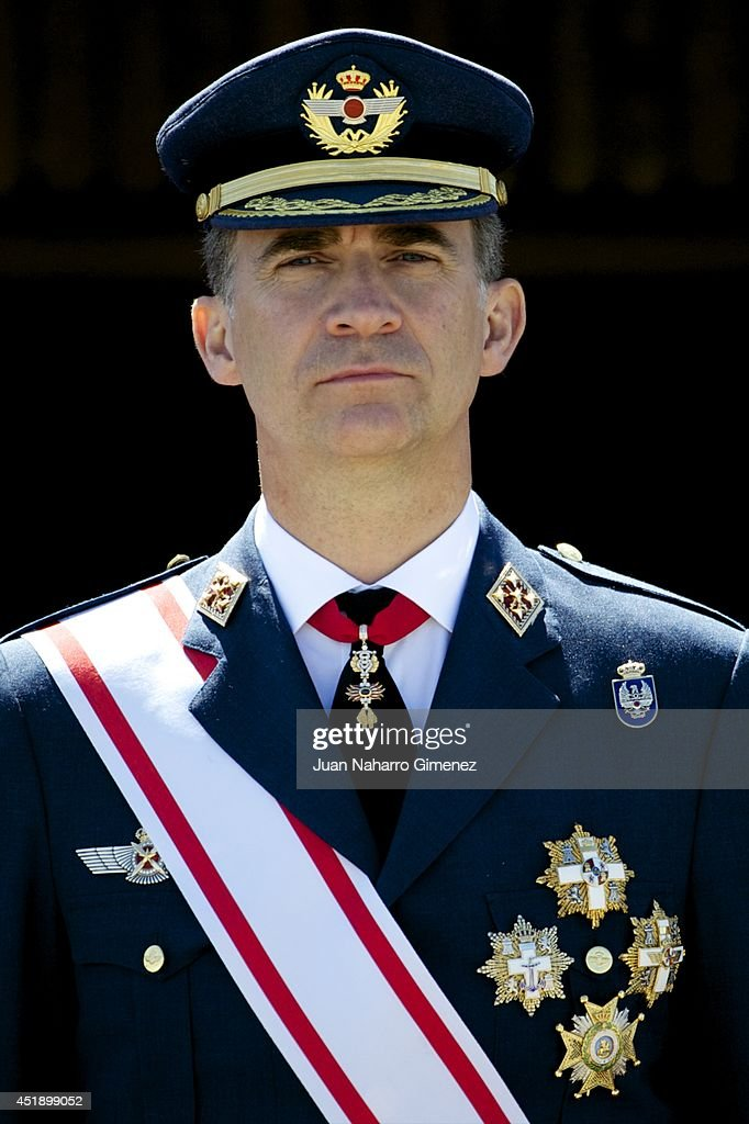 King Felipe VI and Queen Letizia of Spain Attend Air Force Academy Ceremony : News Photo