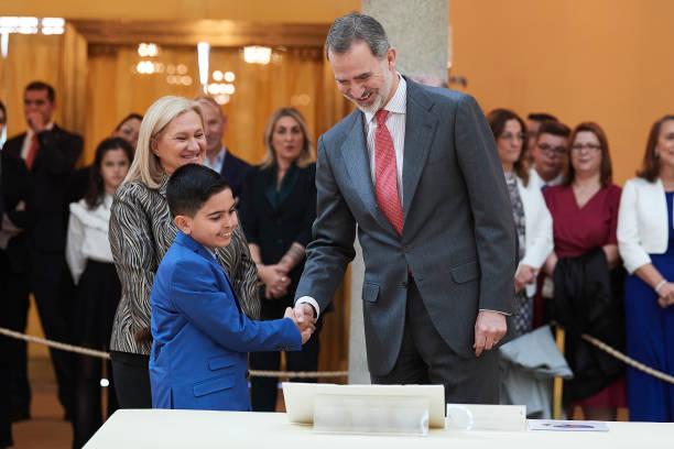ESP: King Felipe VI Of Spain Receives 'Que Es Un Rey Para Ti' Competition Winners
