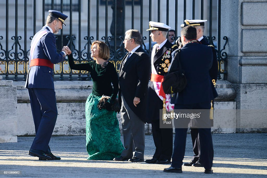 King Felipe VI of Spain (L) attends the Pascua Militar ceremony at the Royal Palace on January 6, 2017 in Madrid, Spain.