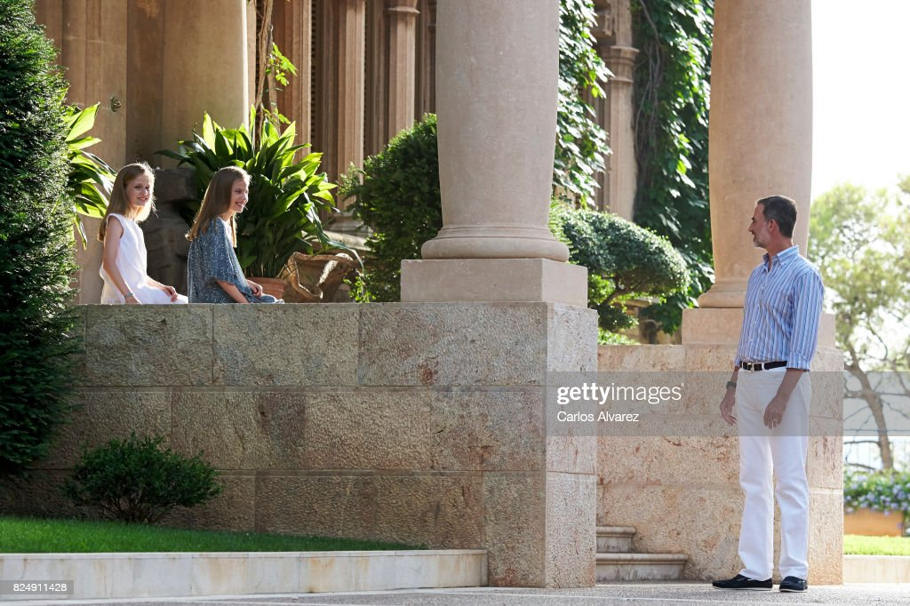 King Felipe VI of Spain Princess Leonor of Spain (L) and Princess Sofia of Spain (R) poses for the photographers during the summer photocall at the Marivent Palace on July 31, 2017 in Palma de Mallorca, Spain.