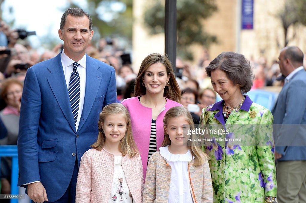 Easter Mass in Palma de Mallorca : News Photo