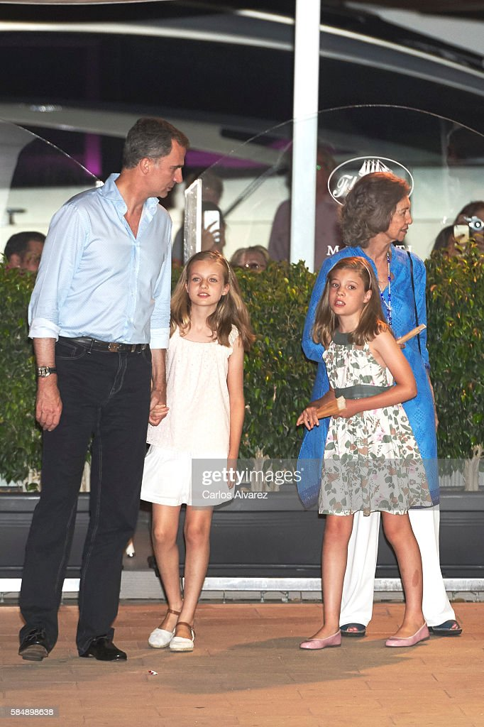 King Felipe VI of Spain, Princess Leonor of Spain, Queen Sofia an Princess Sofia of Spain are seen at the Flaningan Restaurante on July 31, 2016 in Portals Nous, near of Palma de Mallorca, Spain.