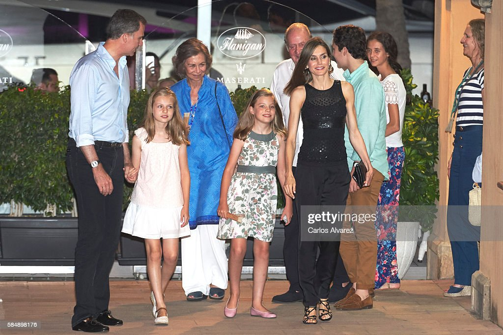 King Felipe VI of Spain, Princess Leonor of Spain, Queen Sofia, Princess Sofia of Spain, King Juan Carlos, Queen Letizia of Spain, Felipe Juan Froilan Marichalar, Victoria Federica Marichalar and Princess Elena of Spain are seen at the Flaningan Restaurante on July 31, 2016 in Portals Nous, near of Palma de Mallorca, Spain.