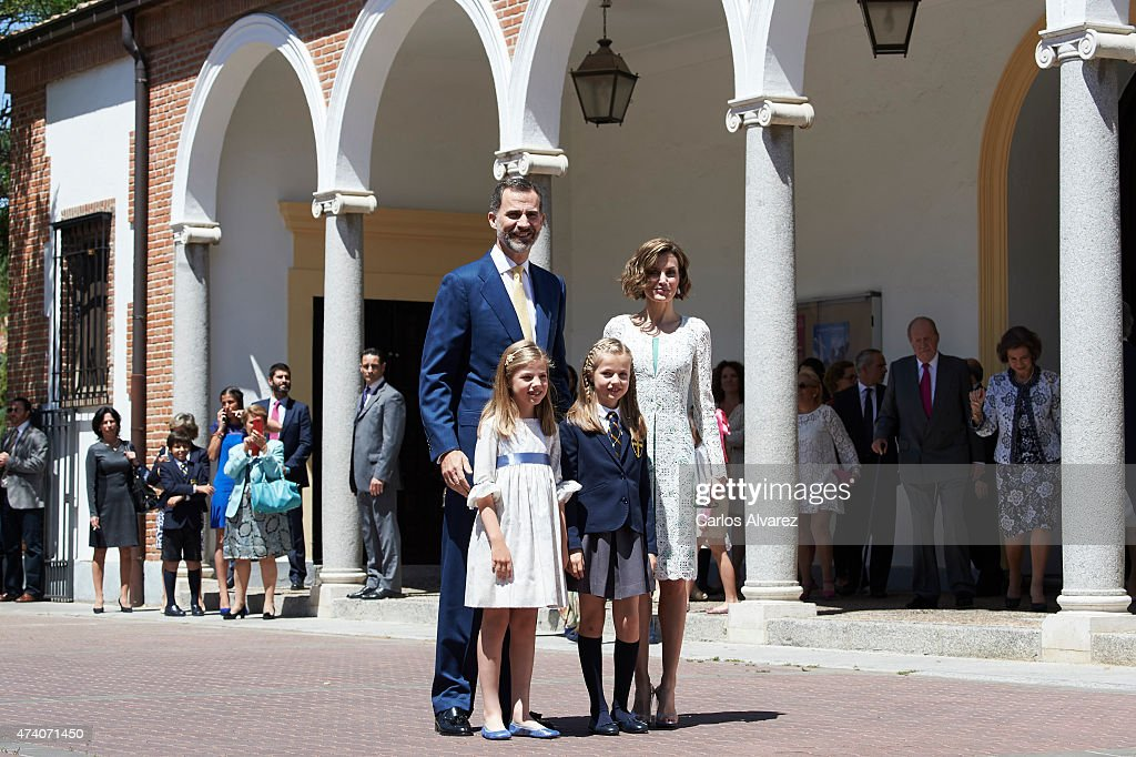 King Felipe VI of Spain, Princess Sofia of Spain, Princess Leonor of Spain and Queen Letizia of Spain pose for the photographers after the First Communion of Princess Leonor of Spain at the Asuncion de Nuestra Senora Church on May 20, 2015 in Madrid, Spain.