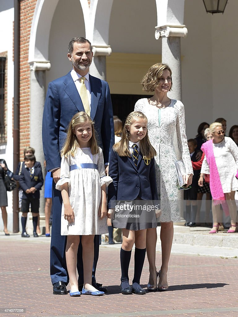 Spanish Royals Attend Their Daughter Leonor's First Communion : Nachrichtenfoto