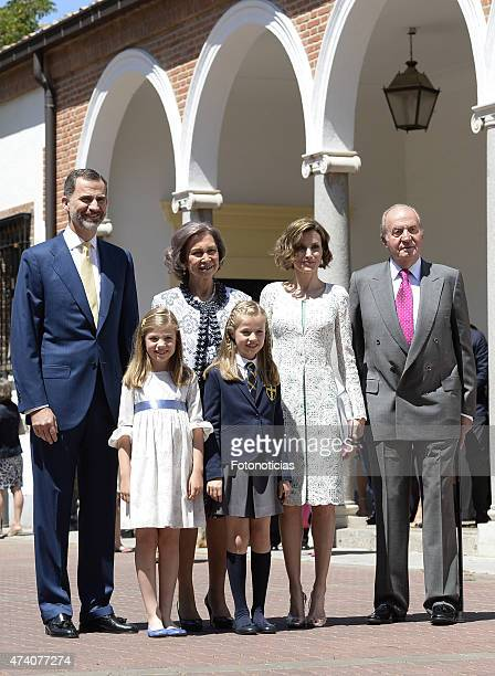King Felipe VI of Spain Princess Sofia of Spain Queen Sofia Princess Leonor of Spain Queen Letizia of Spain and King Juan Carlos pose for the...