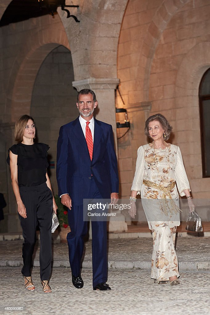 Spanish Royals Host a Dinner for Authorities in Palma de Mallorca : News Photo