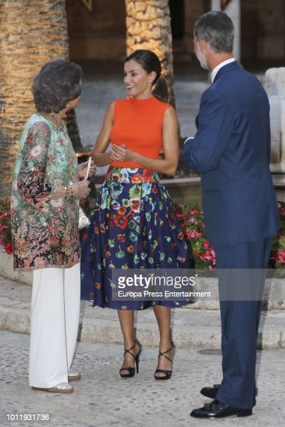 King Felipe VI of Spain and Queen Sofia host a dinner for authorities at the Almudaina Palace on August 3 2018 in Palma de Mallorca Spain
